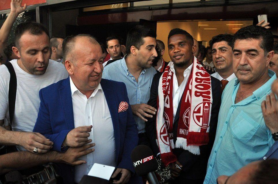 Samuel Eto'o a semnat cu Antalyaspor