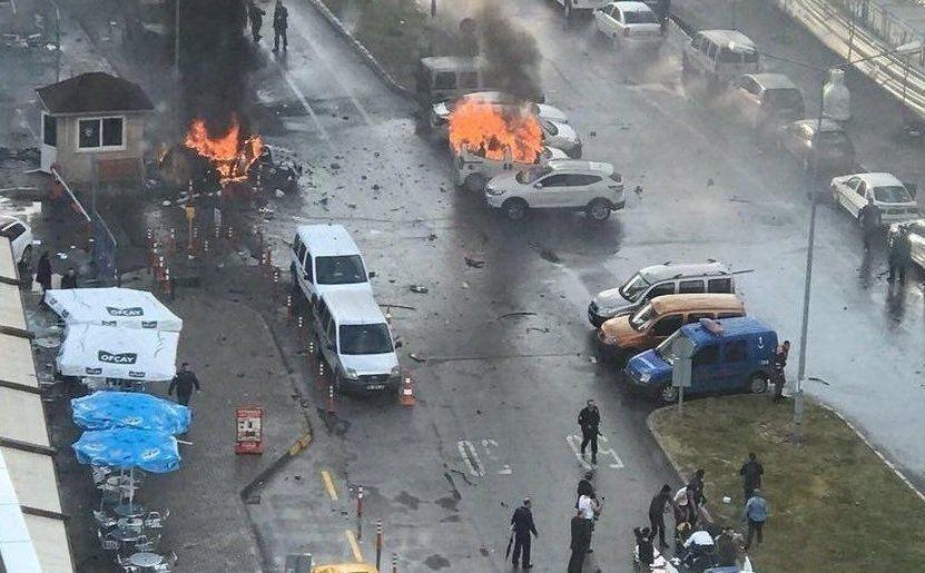 Explozie la İzmir
