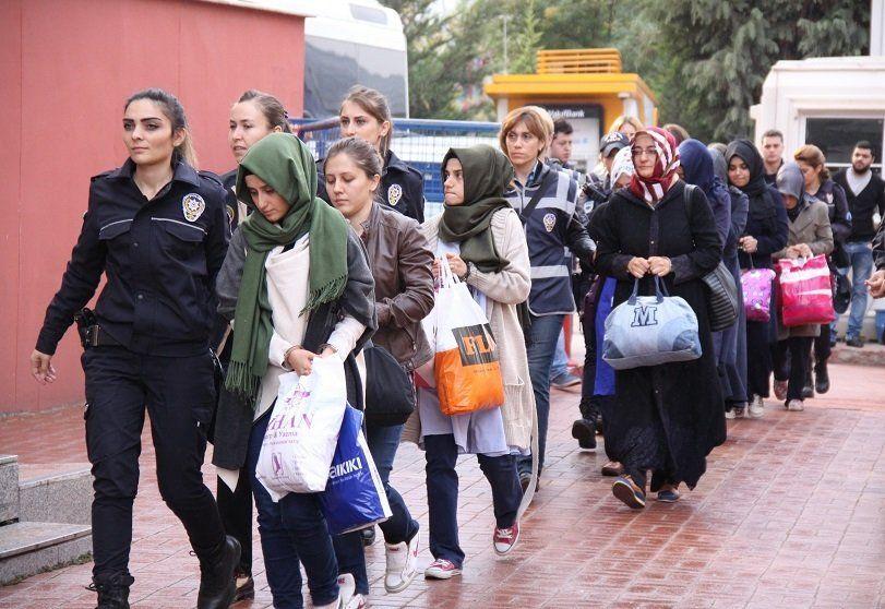 femei arestate turcia